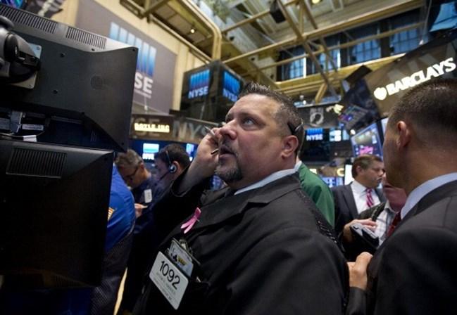 Wall Street abre em forte queda, mas reage rapidamente
