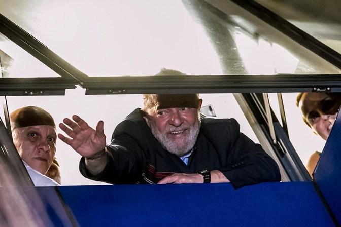 Podemos: prisão de Lula é escalada antidemocrática no Brasil