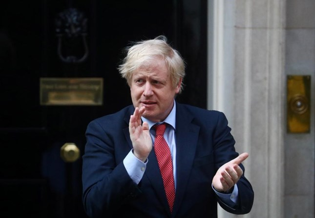 Covid-19: Boris Johnson promete